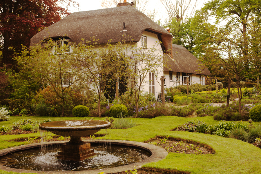 The fountain with Old Thatch in the background